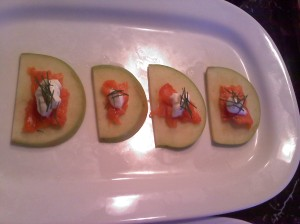 Apples with salmon and dill